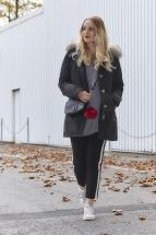 Volant Pullover und Streifenhose - New Look