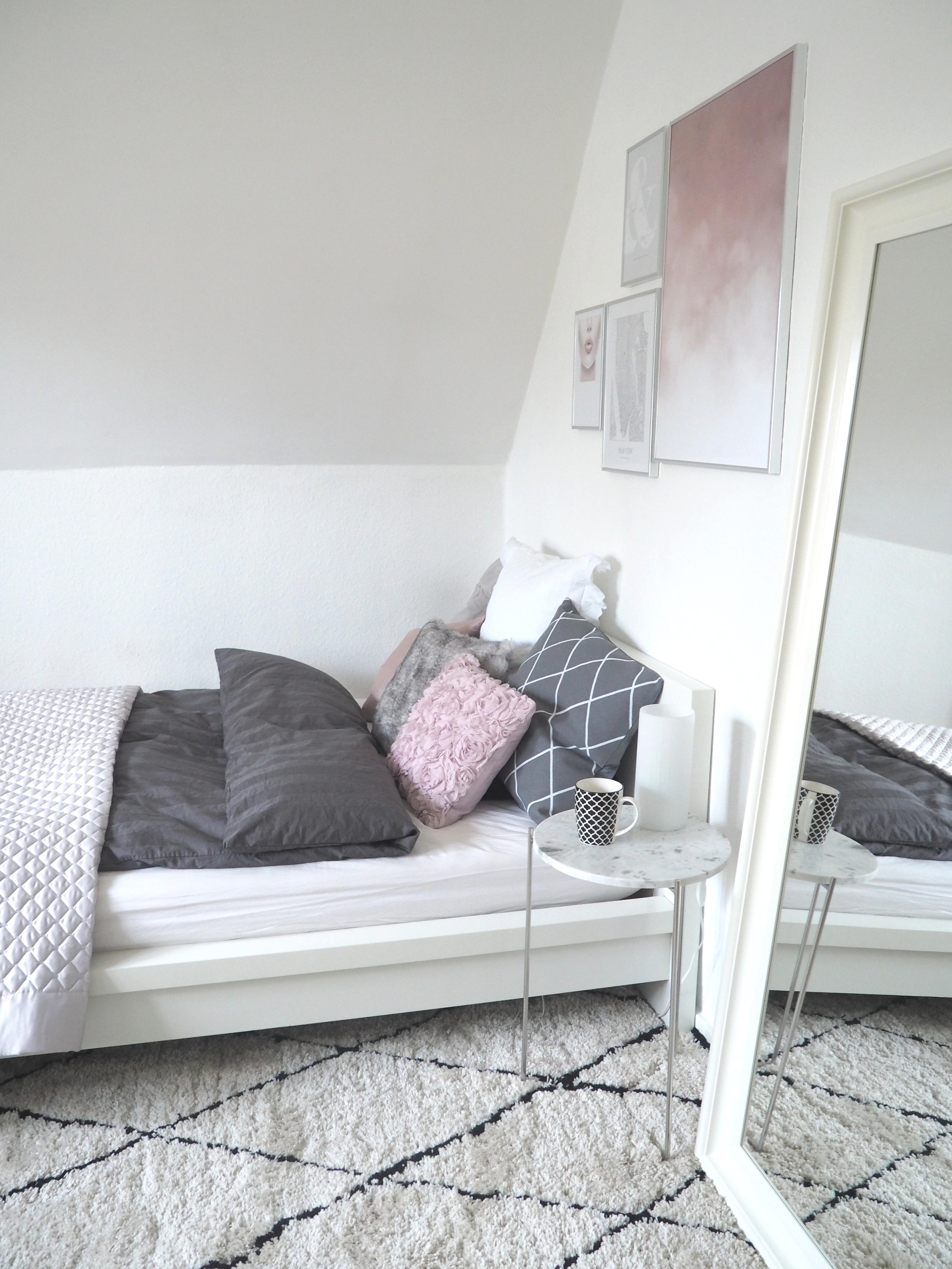 neues schlafzimmer g nstig inspiration f r die gestaltung der besten r ume. Black Bedroom Furniture Sets. Home Design Ideas