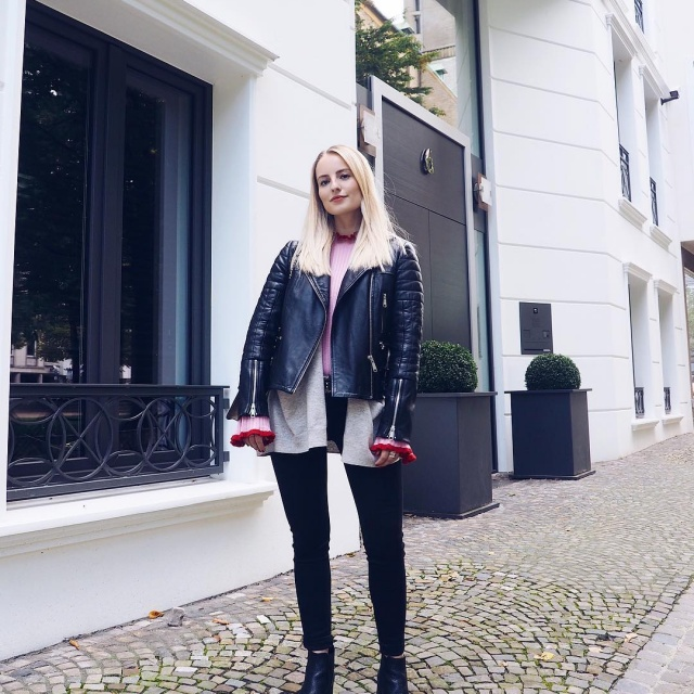 Yesterdays ootd Wish you a great weekend ootdfashion weekendvibes