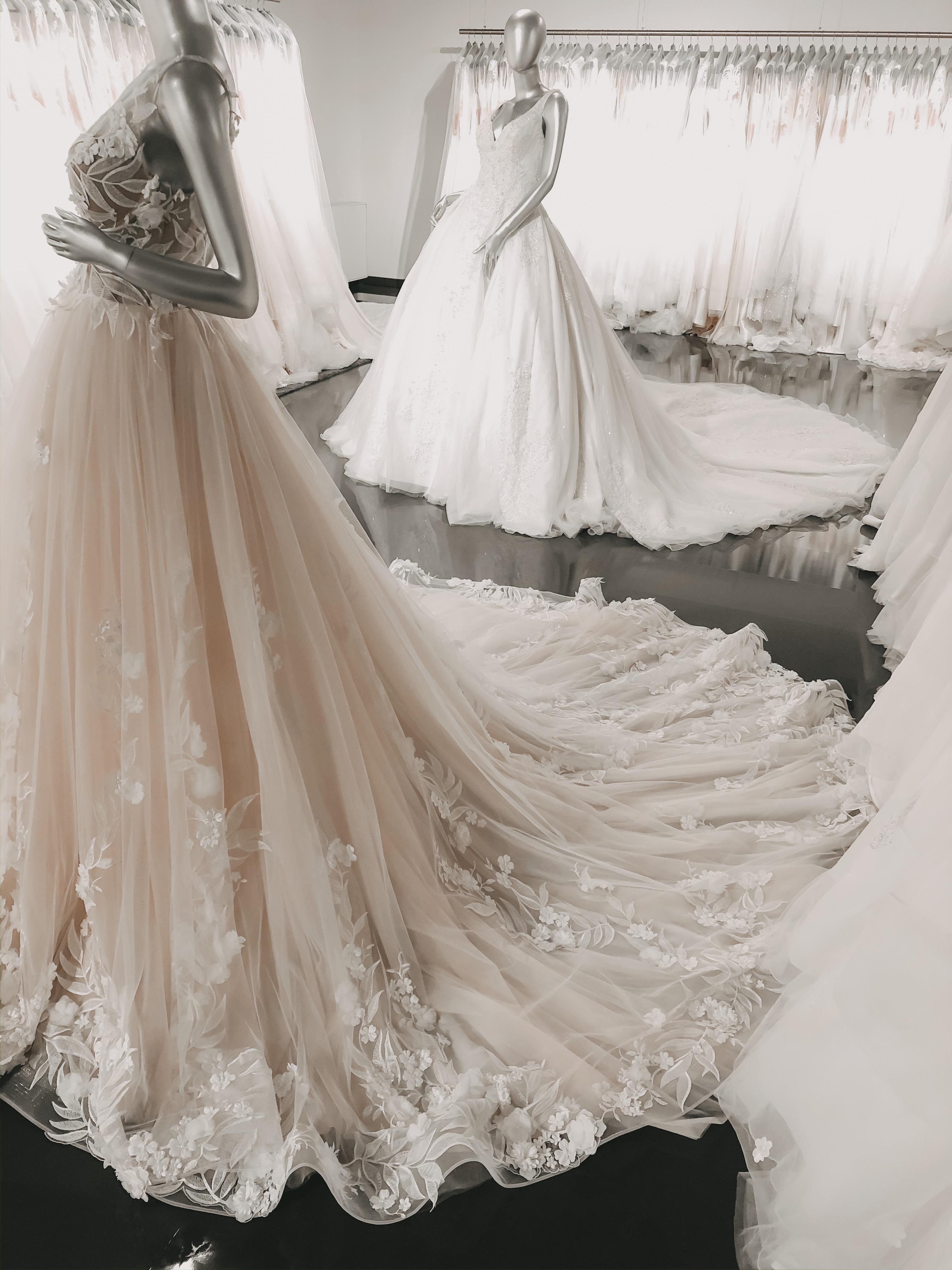 Brautmoden fünftejahreszeit - KIM ENGEL